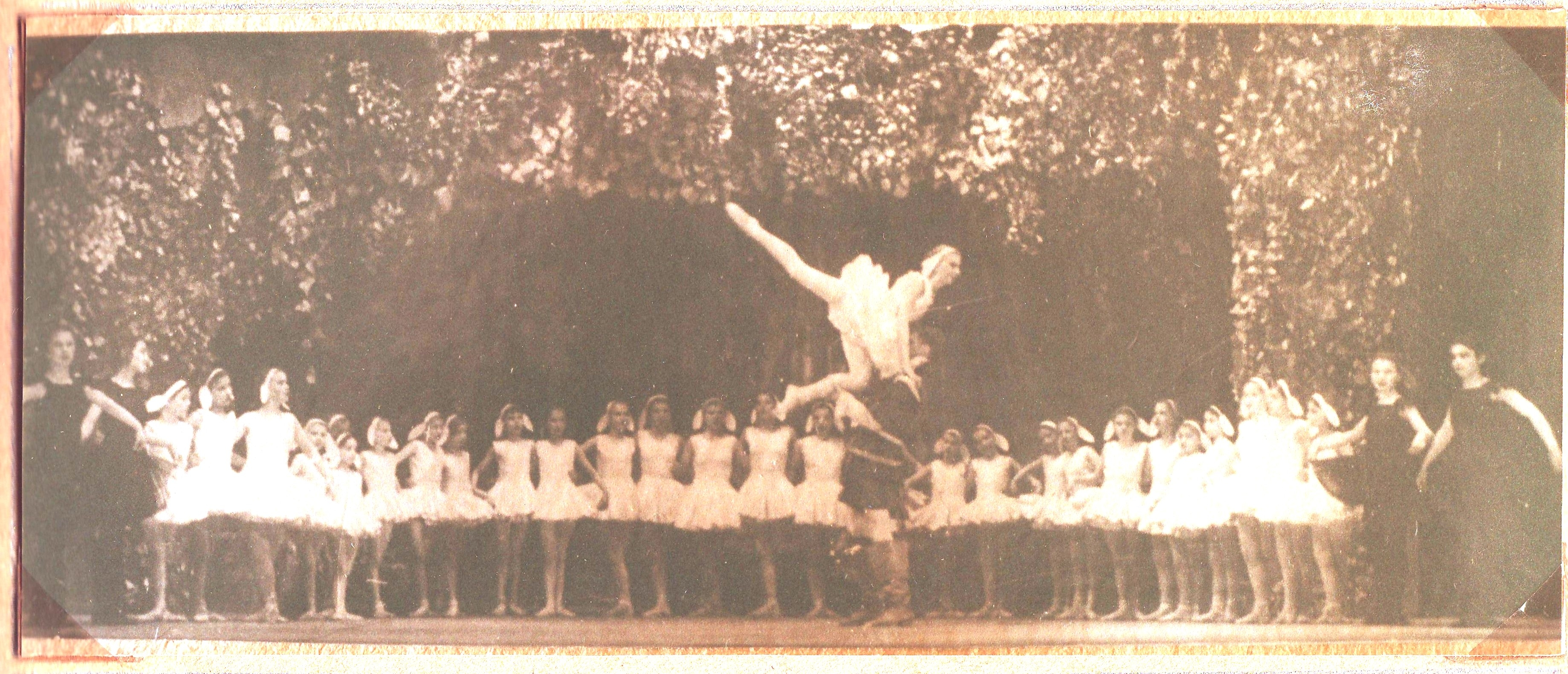 Фото молодых парней 20 лет качков стоя спиной с зади из одноклассников 17 фотография