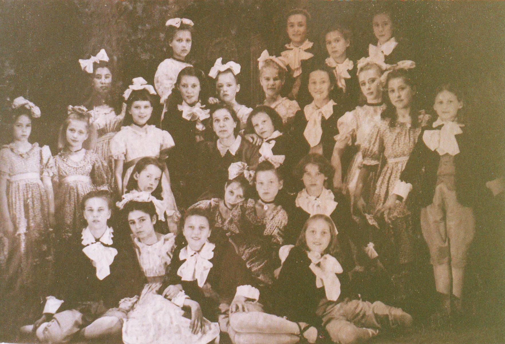 Фото молодых парней 20 лет качков стоя спиной с зади из одноклассников 16 фотография